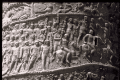 Рельеф на колонне Траяна в Риме.  Заметим, что таких свидетельств сохранилось...