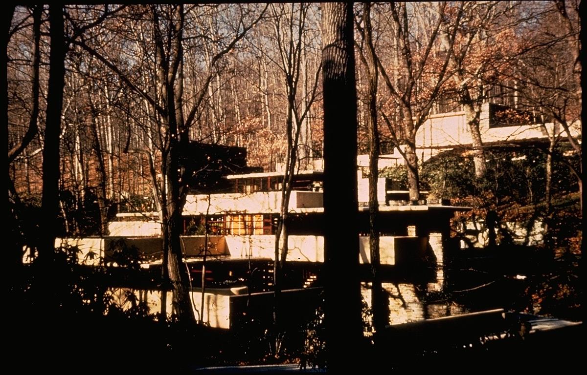 1330 SRC: Le Corbusier, Villa Savoye, Exterior View