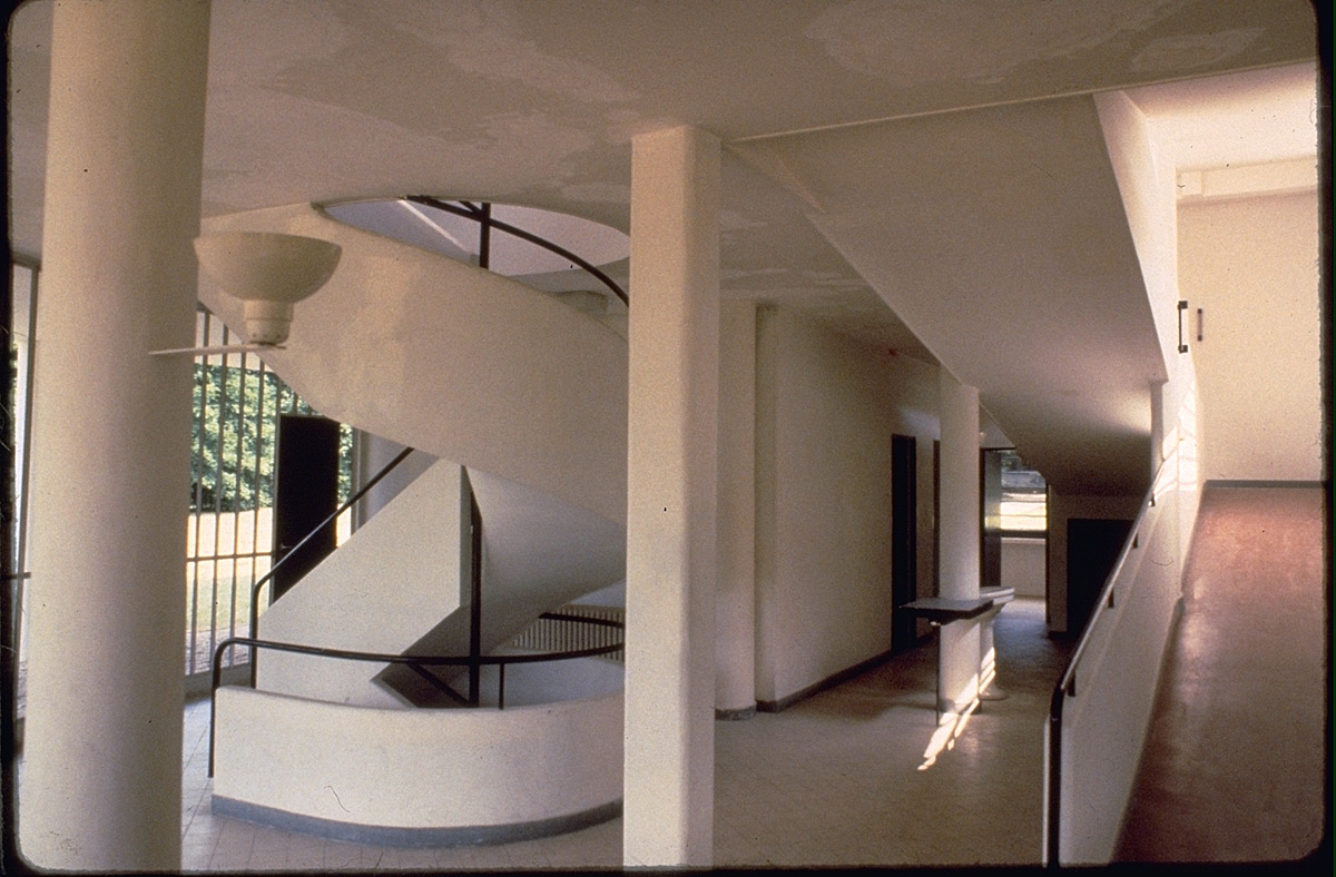 The gallery for villa savoye interior ramp for Ground floor vs first floor